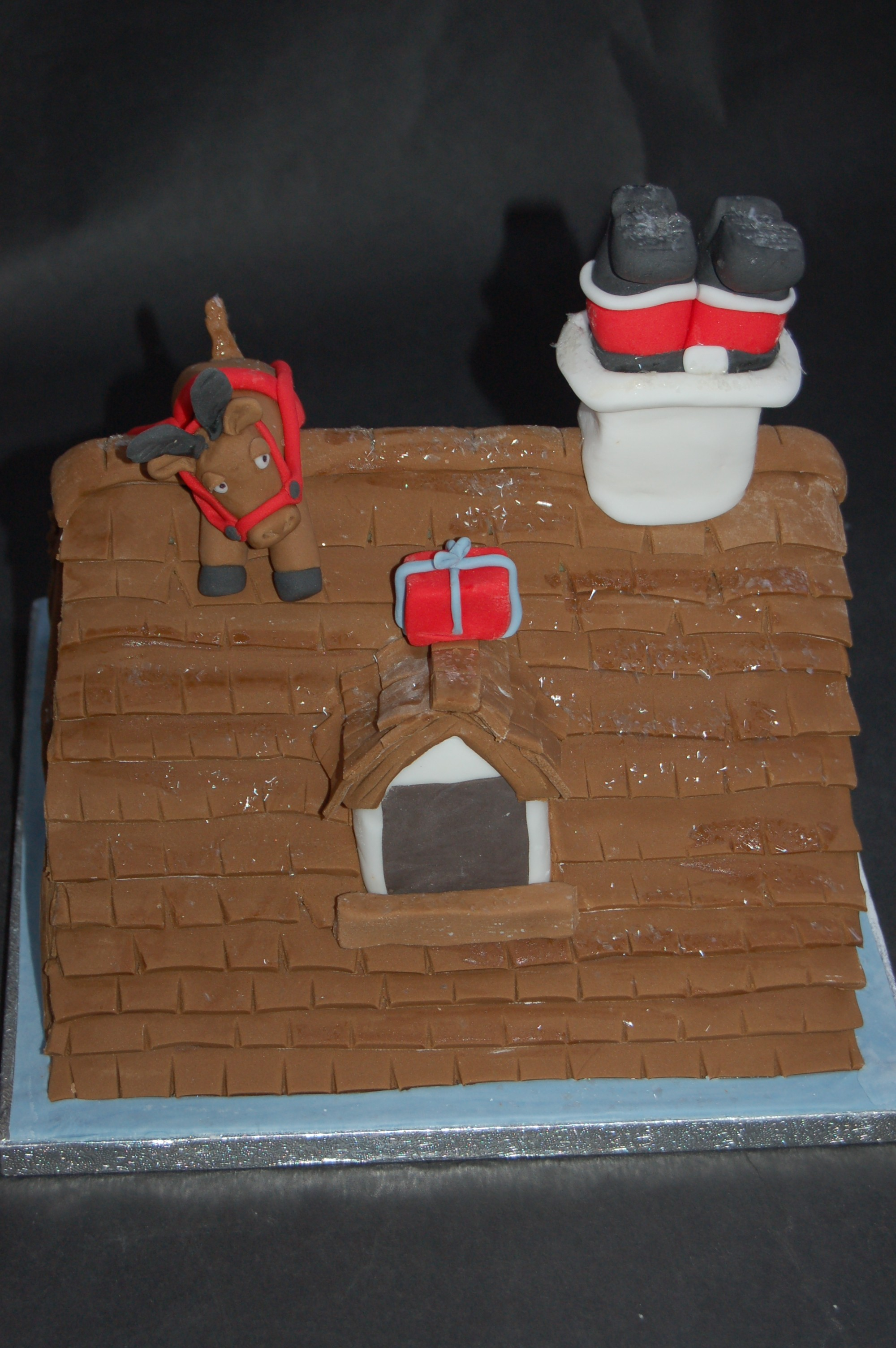 Santa got stuck down the chimney 3dcakes Santa stuck in chimney cake